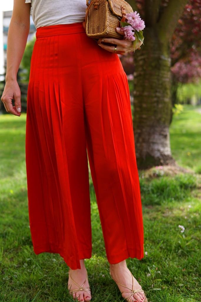 rote-culotte-plisse