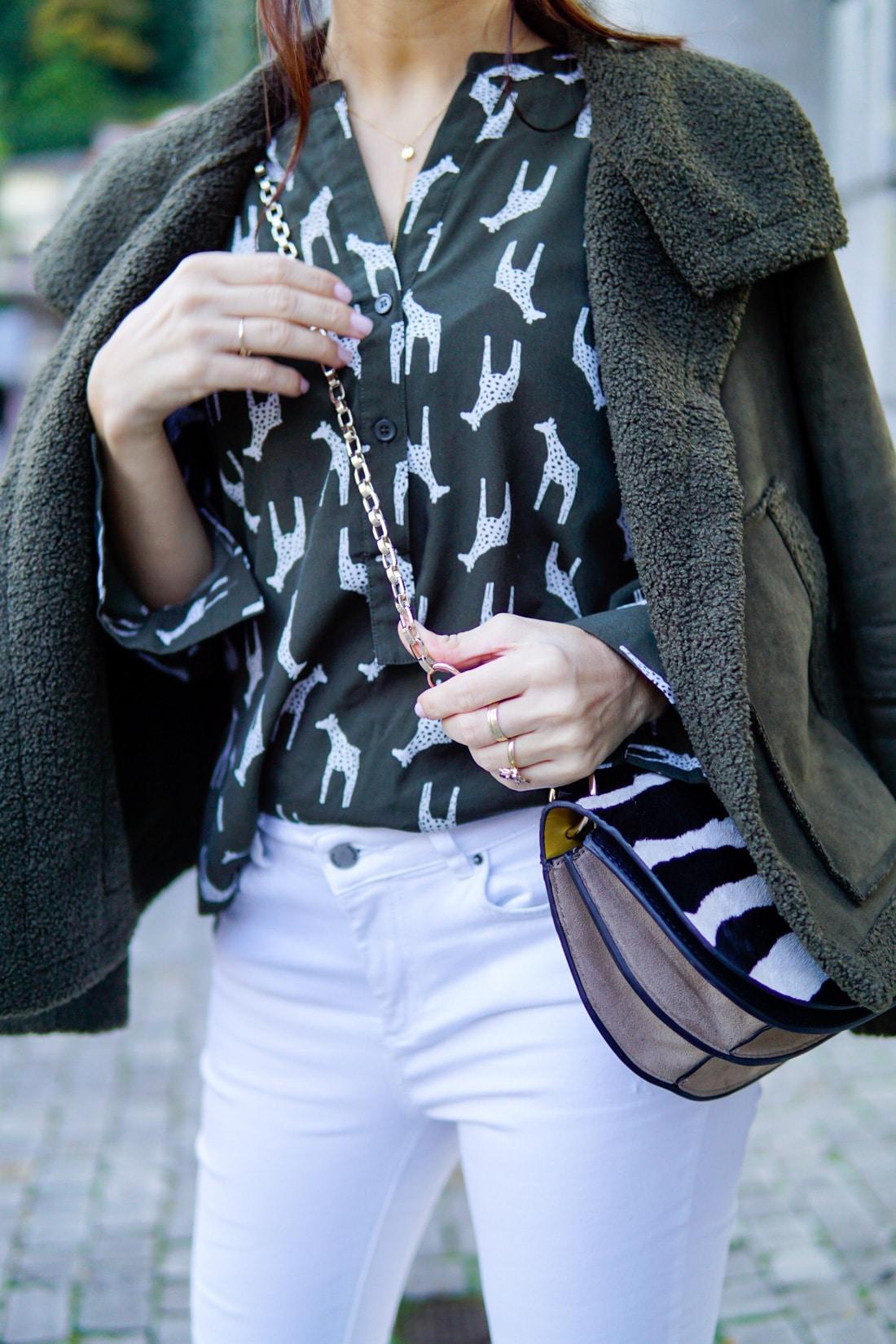 giraffen-print-bluse