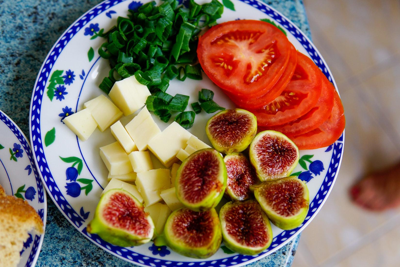 paski-sir-smokva-pomidor