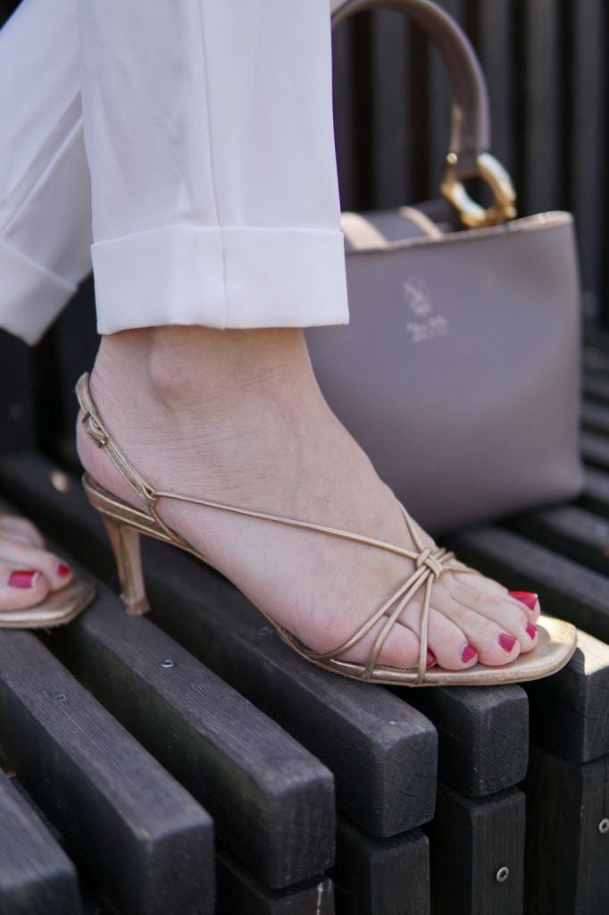 Goldene-Sandaletten